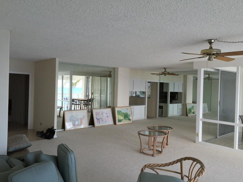 Living room before renovations