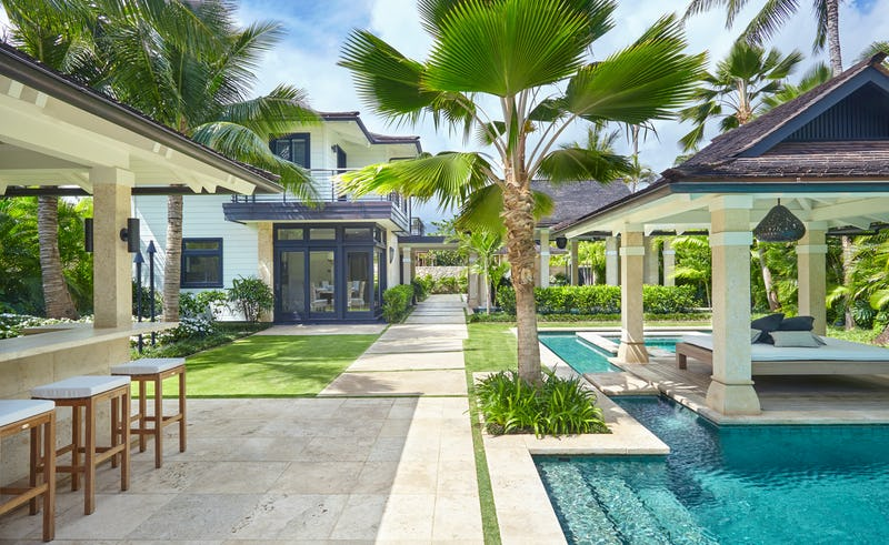 Pathway to house passing pool