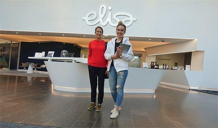 Susanne Ström ja Martta Saarinen, Elisa