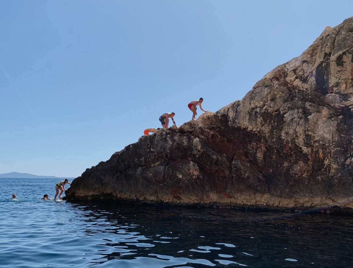 The Red Ant team climbs the red rocks at Crvene Stijene