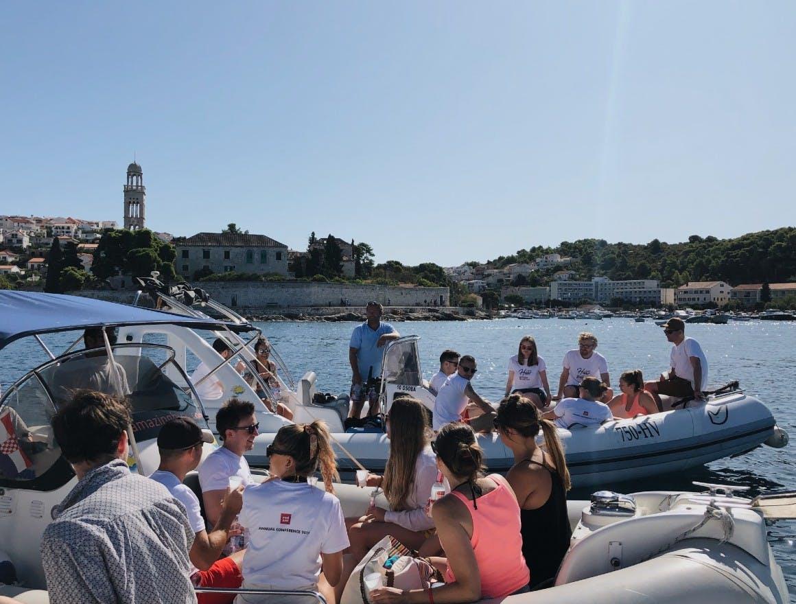 Amazing Hvar took us on speedboats to explore the Croatian islands, Forski skoji