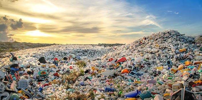 Moře plastového odpadu z jednorázových výrobků