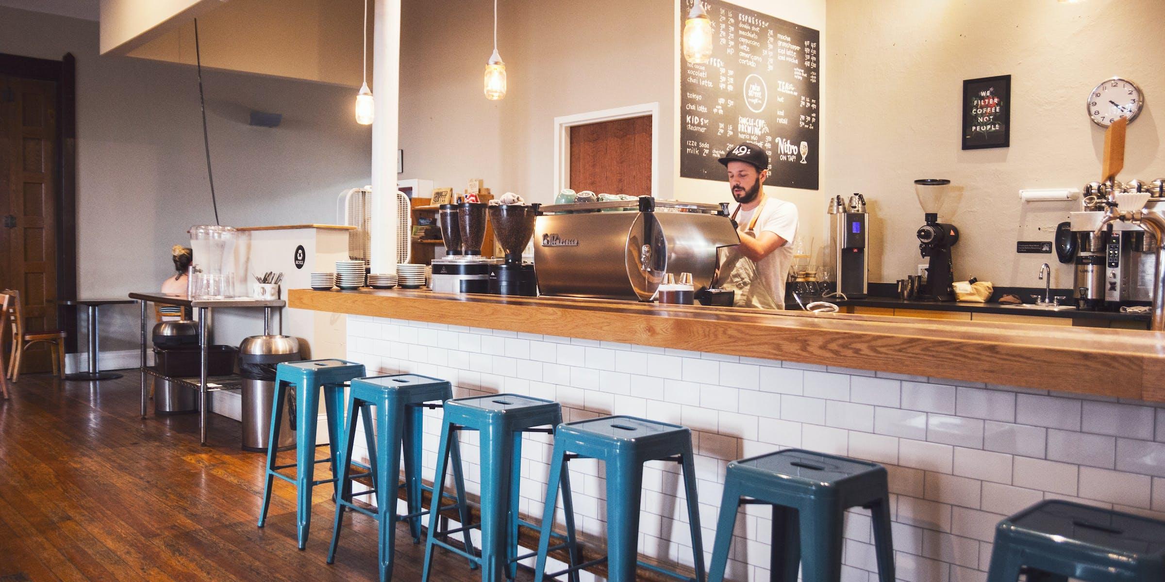 Delivery Club и «Яндекс.Еда» вредят небольшим ресторанам