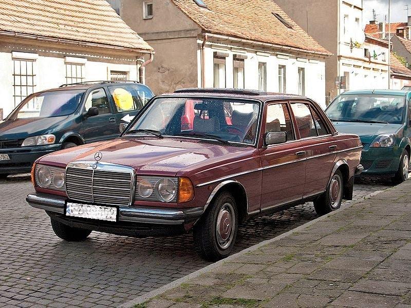 Ein W123 von vorne.