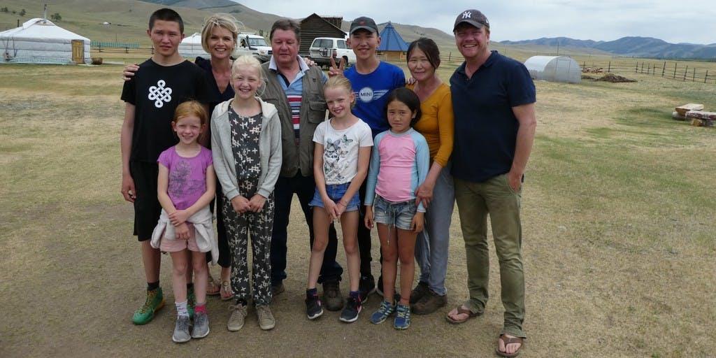 Bastiaan, Tooske en hun kinderen maken droom werkelijkheid in 'Ragas Reist Rond'