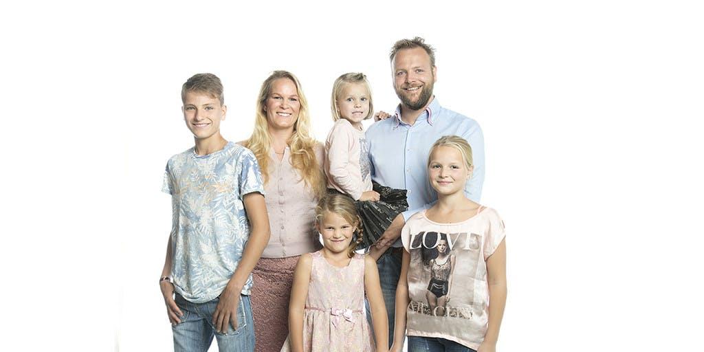 Vanavond maakt vierde gezin debuut in 'Helemaal Het Einde!'