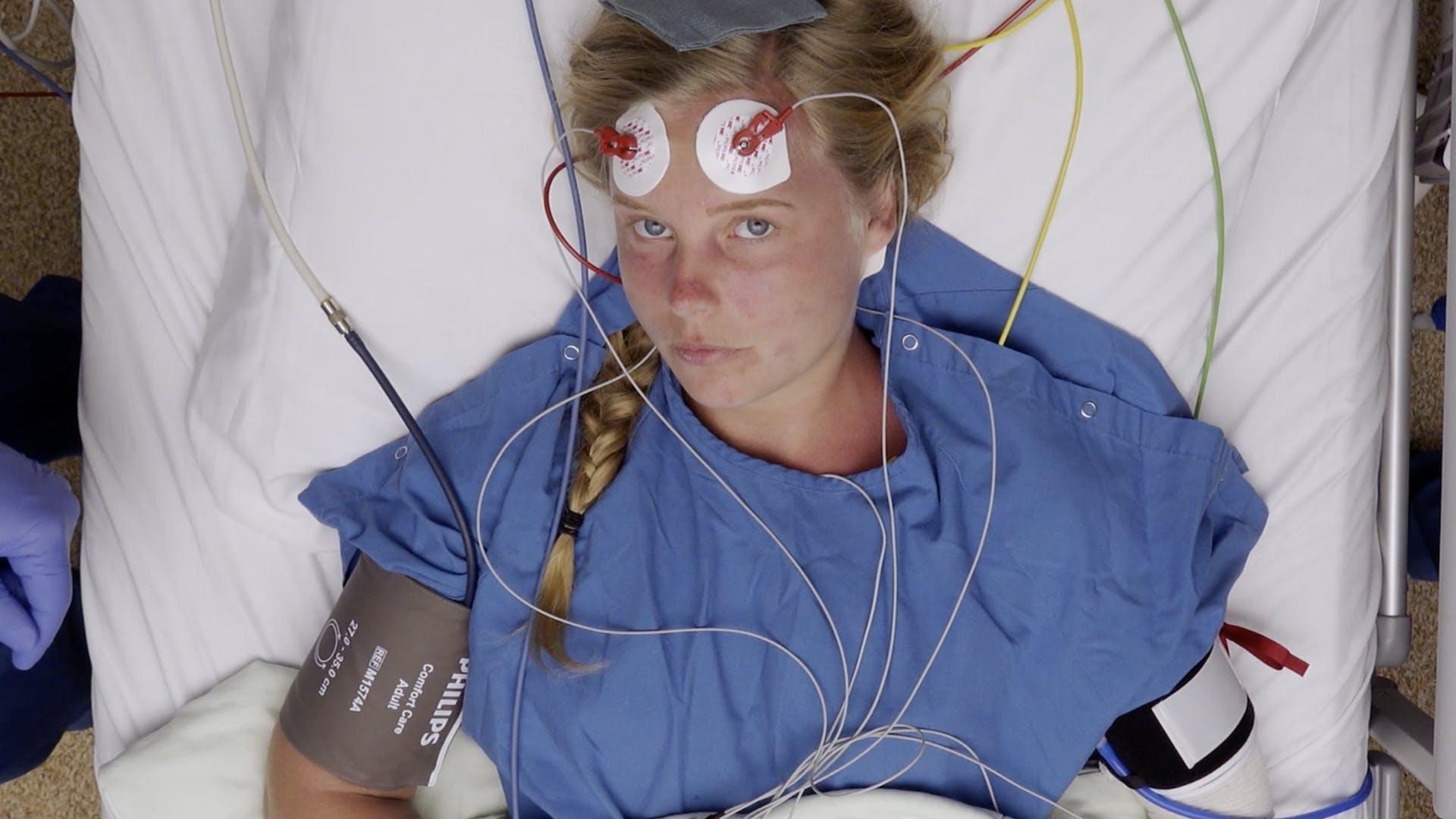 Jessica voordat ze één van de ECT-behandelingen ondergaat