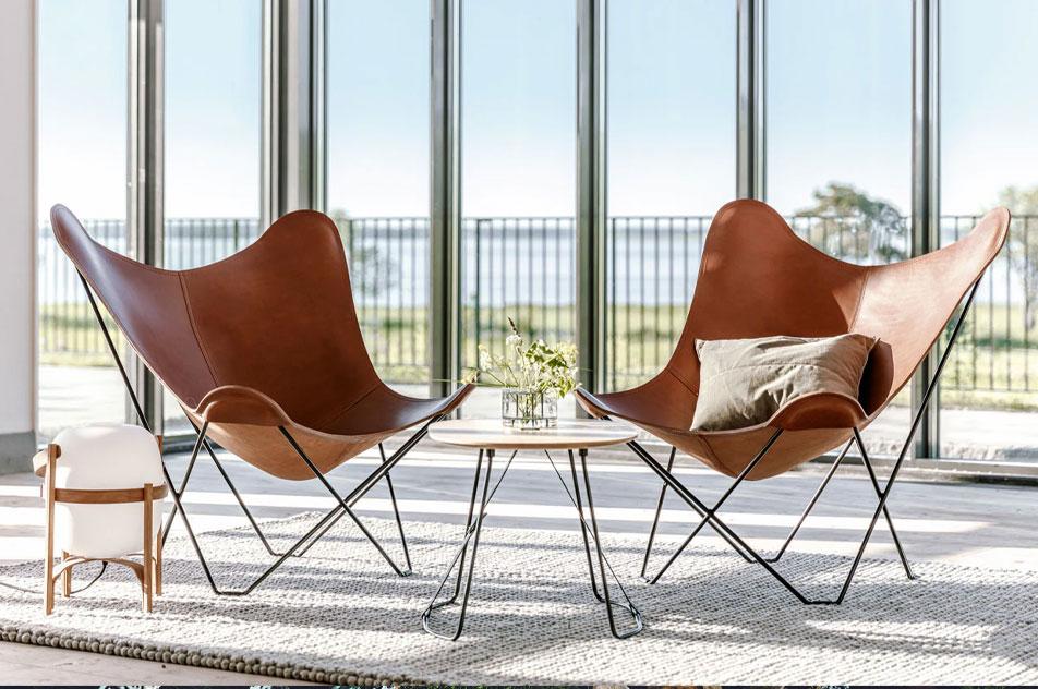 Køb flagermusstolen Mariposa fra Cuero på Rum21.dk