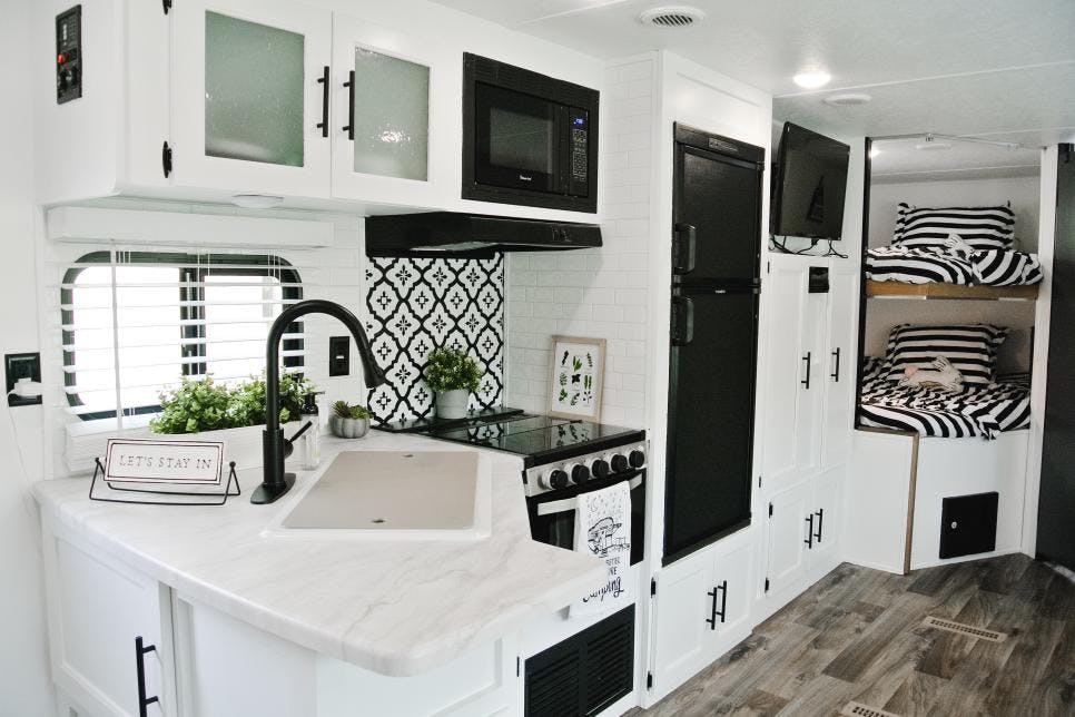 HGTV: 15 RV Interiors That will Inspire You to Hit the Road