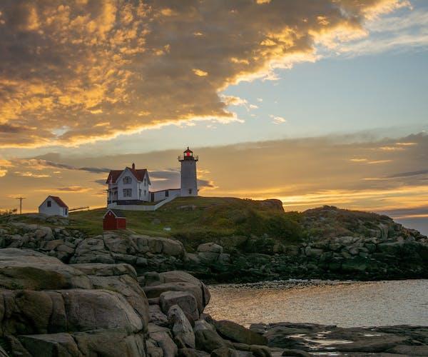 Main Lighthouse & Ocean Seaside Views