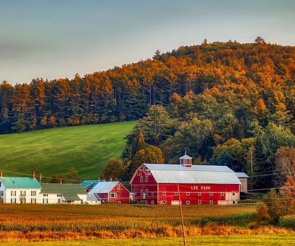New Hampshire Fall Colors & Farm House