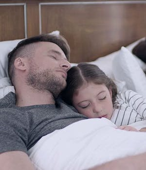 king size bed dimensions - family sleeping in king size bed