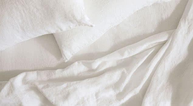 saatva's linen sheets