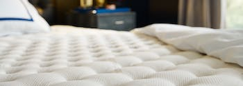 what is the best type of mattress? - image of luxury mattress