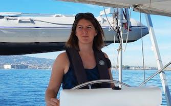 image of writer sara bernard, who lives and sleeps on a boat
