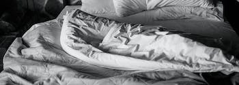 how to choose the best comforter - image of comforter on bed