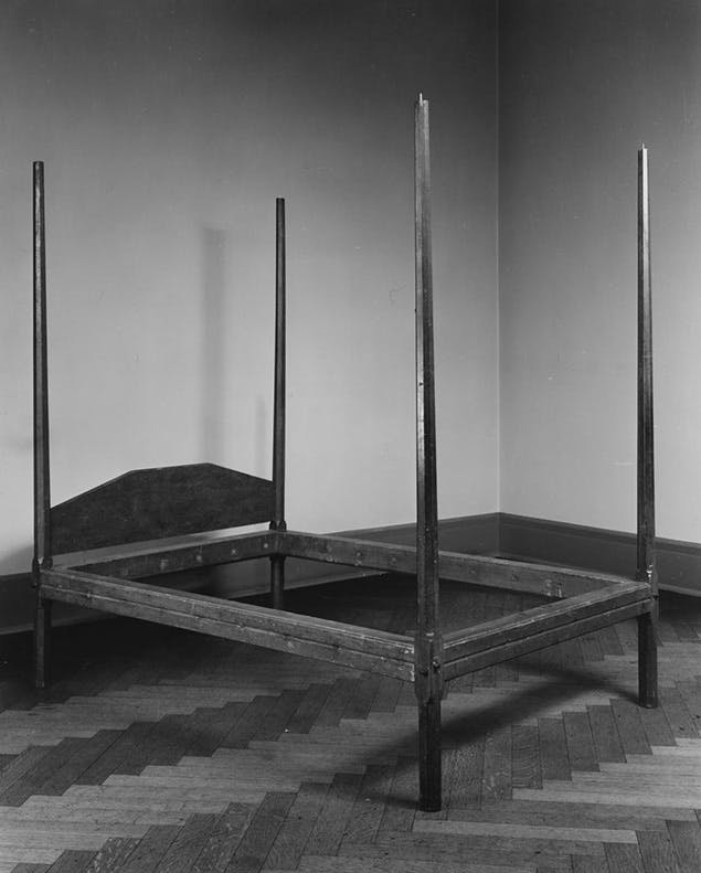 bed frame from 1700s