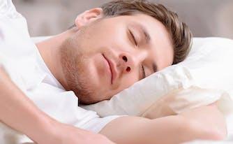 image of man sleeping on side - best memory foam mattress for side sleepers