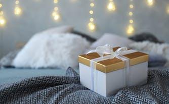 best bedding for wedding registry - bedding in a gift box