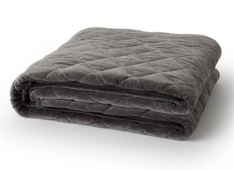 saatva weighted blanket in grey