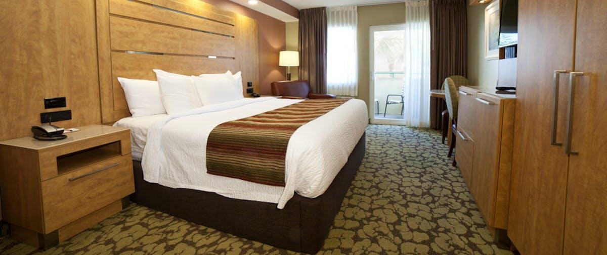 saatva mattress in desoto beach hotel