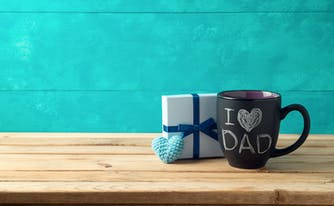 """father's day gift box and """"I heart Dad"""" mug"""