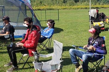 """Participants à la course de """"Drone fest"""""""