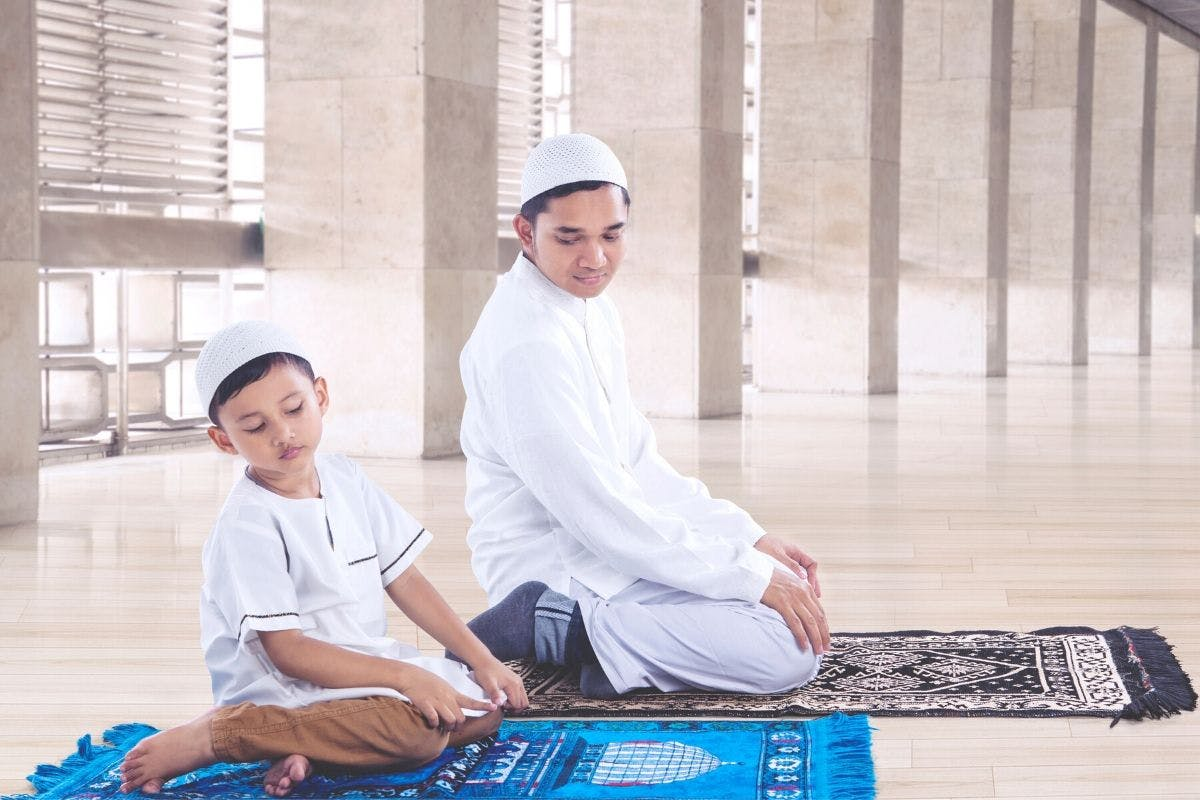 teach-your-children-how-to-pray-salah-at-right-age