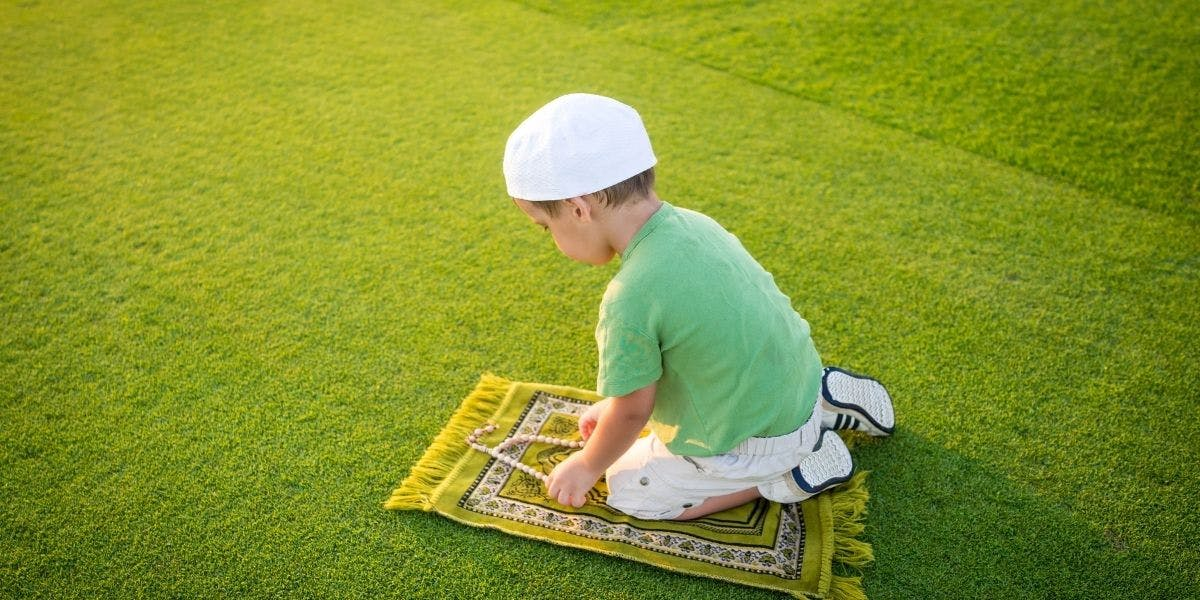 8 Ways To Make Your Children Love Islamic Prayer