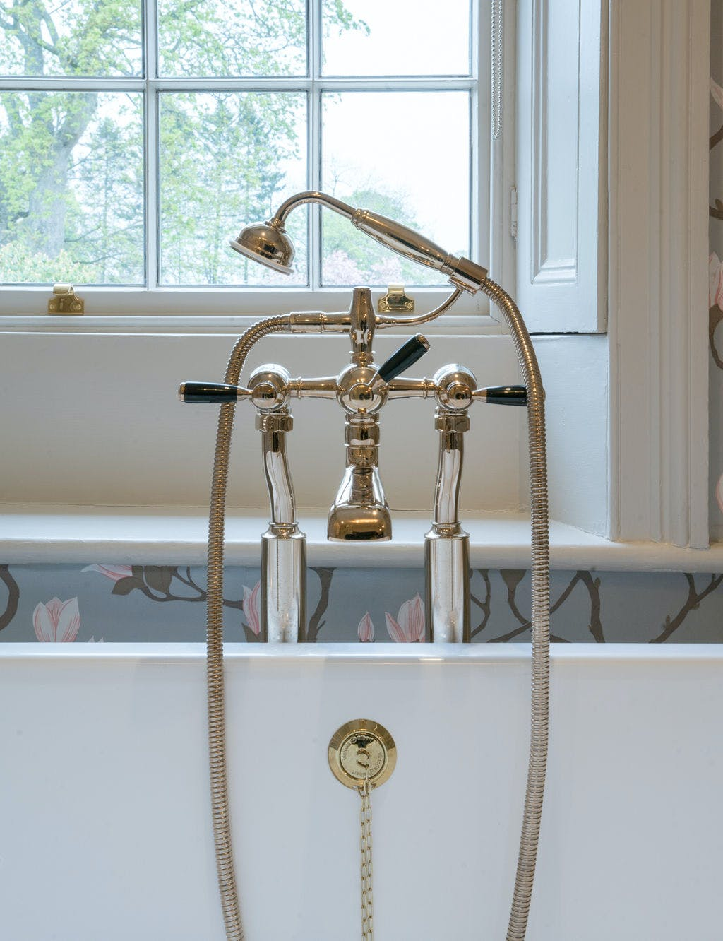 Samuel Heath brass bath and shower mixer. Traditional Fairfield collection in a Polished Nickel finish with gloss black levers.