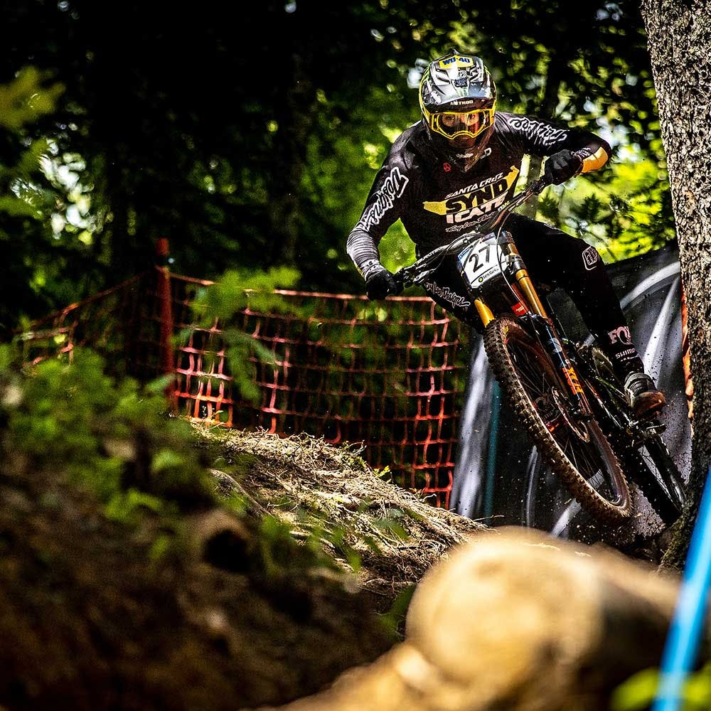 Racing the V10 on a World Cup DH track