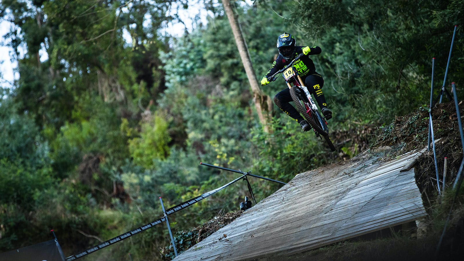 Luca Shaw jumping V10 downhill bike