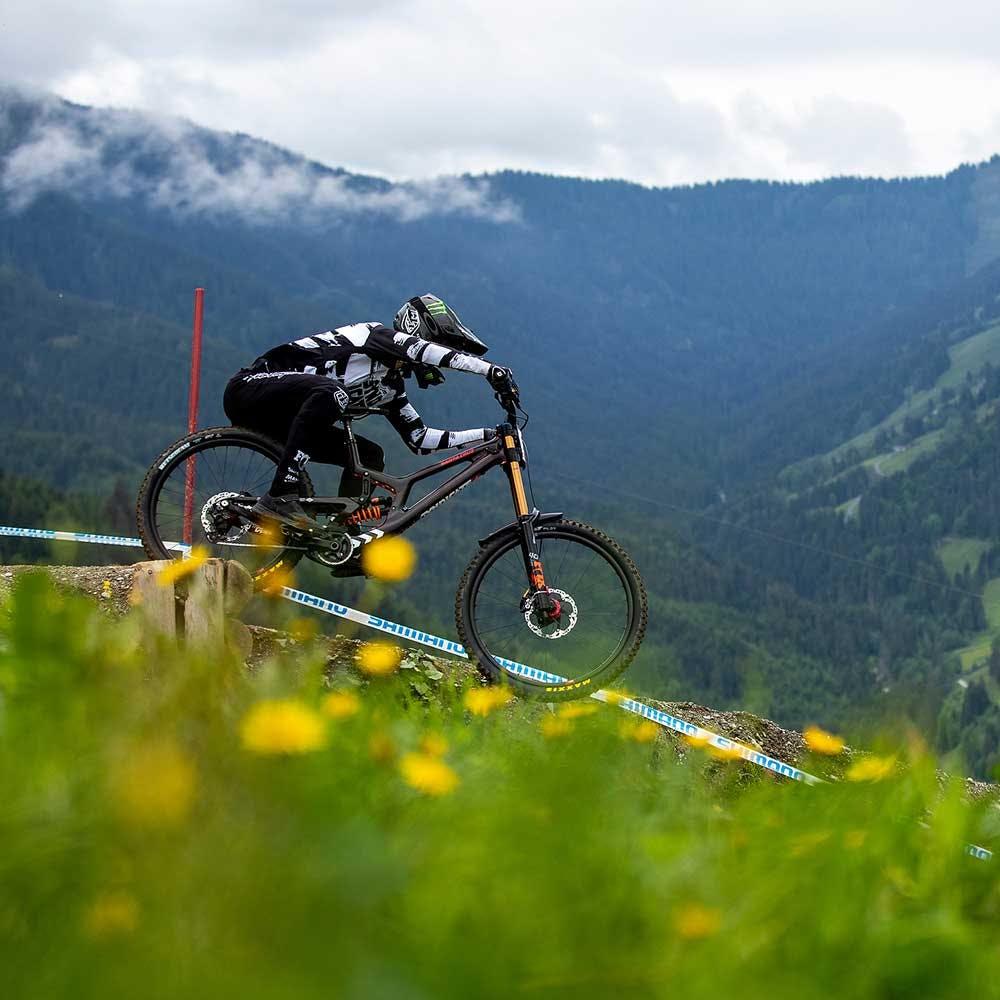 Riding the V10 downhill