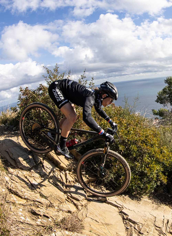 Greta Seiwald riding her Blur xc bike on steep trails