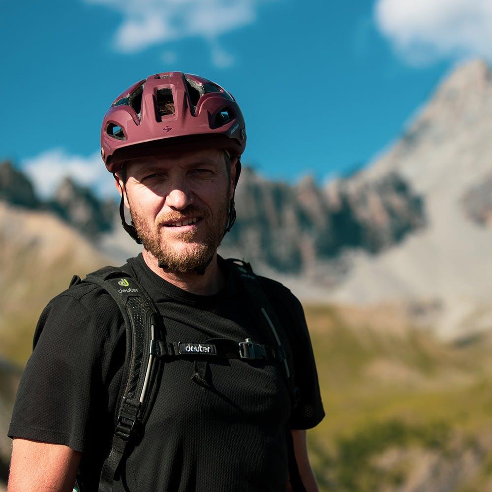 Portrait of Santa Cruz Free Agent rider Ash Smith