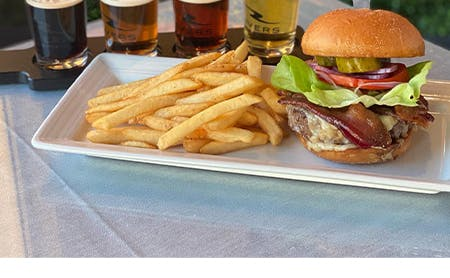Dukes Burger & Beer Special
