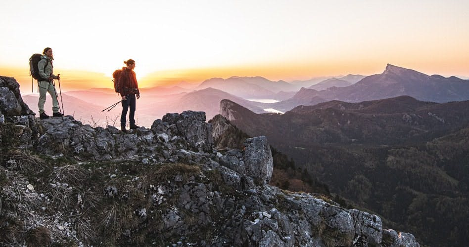 zwei Wanderer in den Bergen