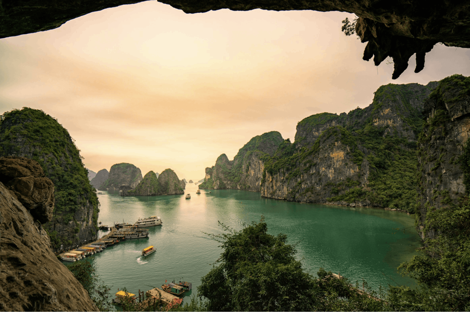 What's the difference between Halong, Bai Tu Long & Lan Ha Bay?