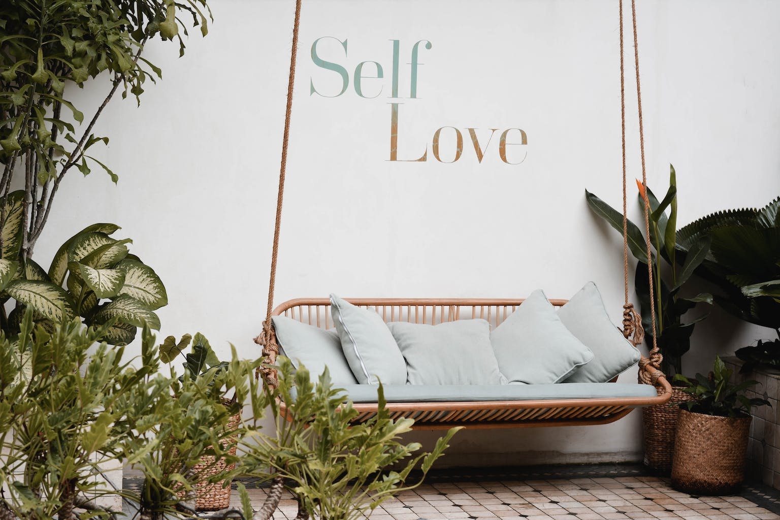 self-help books, seema love, self-love, seema.com, seema newsletter, seema culture, seema books, Brené Brown, Sonya Renee Taylor,Meera Lee Patel , content pixie, unsplash