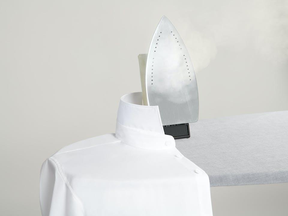 Ironing a shirt | Shirt Guide | Seidensticker