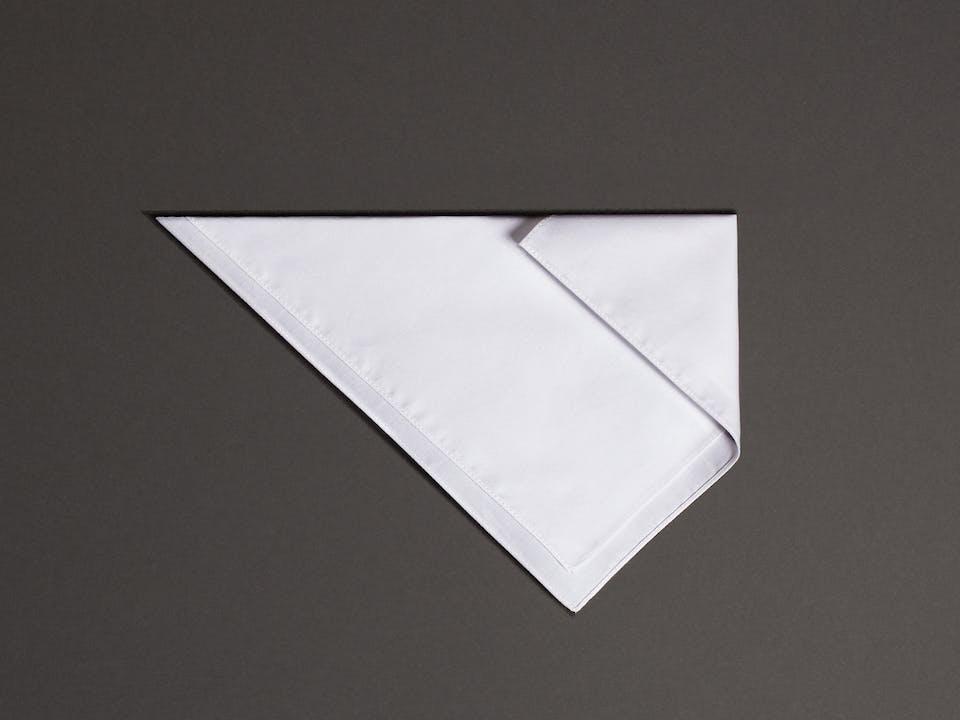 Folding a pocket square | Shirt Guide | Seidensticker