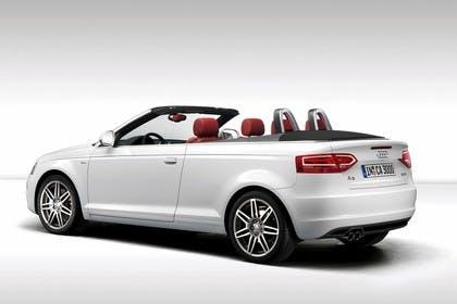 Audi A3 8P Cabrio Aussenansicht Seite Studio statisch weiss