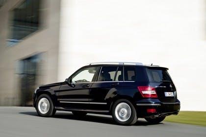 Mercedes Benz Aussenansicht Seite schräg dynamisch schwarz