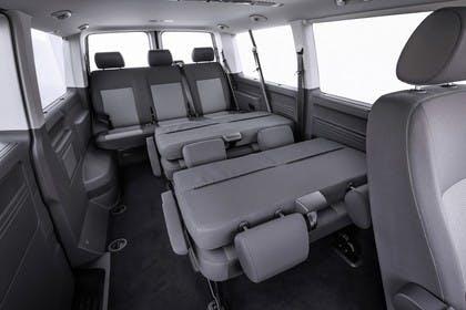 VW T5 Caravelle Innenansicht Rücksitze Studio statisch grau