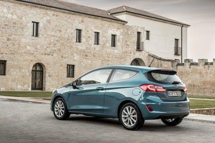 Ford Fiesta JHH Dreitürer Aussenansicht Heck schräg statisch blau