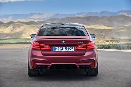 BMW M5 F90 Aussenansícht Heck statisch rot