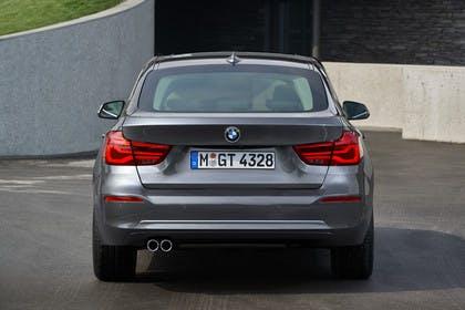 BMW 3er GT F34 Aussenansicht Heck statisch grau