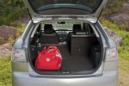 Mazda CX-7 Innenansicht Detail Kofferraum statisch silber