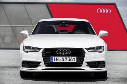 Audi A7 4G Aussenansicht Front statisch weiss