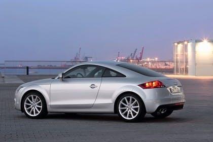 Audi TT 8J Aussenansicht Seite statisch silber
